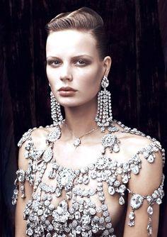diamonds-are-a-girls-best-friend-via+londonwarrior.tumblr.com.jpg 494×700 píxeles