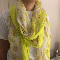 Stella and Dot Scarf Stella & Dot Palm Springs Scarf Citrine Floral Stella & Dot Accessories Scarves & Wraps