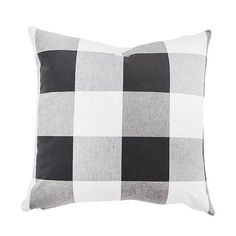 A classic print in a modern scale, our oversized buffalo check pillows come in a slew of fresh new colors.