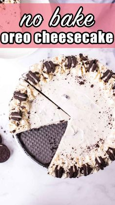 This creamy no bake Oreo cheesecake takes less than 15 minutes to put together. An easy dessert for summer picnics. Baked Oreo Cheesecake Recipe, Homemade Cheesecake, Homemade Snickers, Cheesecake Desserts, Make Ahead Desserts, Easy No Bake Desserts, Summer Desserts, Delicious Desserts, Dessert Recipes