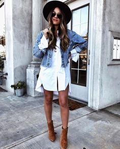 Coup de coeur mode du moment : la chemise boyfriend portée en robe  On ajoute une veste en denim par-dessus ainsi que quelques accessoires et le tour est joué! #lookdujour #ldj #shirt #dress #jeans #denim #coat #spring #ootd #basics #streetstyle #layering #style #inspiration #regram  @huntforstyles