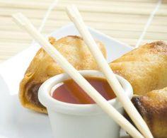 Ecco una ricetta thailandese super facile e super veloce per preparare la salsa agro-dolce. Molto adatta a essere servita con innumerevoli piatti non solo thailandesi, ma di tutta l'Asia orientale.