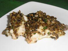 Filetti di scorfano al forno con pangrattato,olive e capperi
