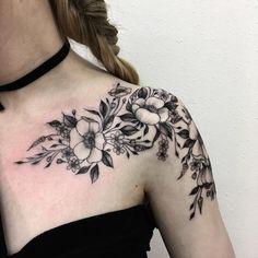 Les-tatouages-de-fleurs-de-Vlada-Shevchenko-3 Les tatouages de fleurs de Vlada Shevchenko
