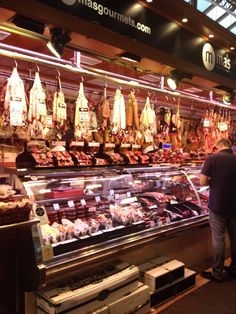 @hoogervaaner - @BrittanyFerries I love hunting out my lunch in the amazing La Boqueria market in Barcelona #ForAnyone