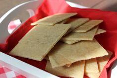 Amandelcrackers | eethetbeter.nl Lchf, Granola, Crackers, Healthy Recipes, Healthy Food, A Food, Low Carb, Tasty, Bread