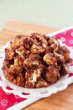 Cranberry Balsamic Glazed Cauliflower Wings are a sweet, savory, sticky appetizer or side dish that everyone from vegans to carnivores will love. Gluten free, too! | cupcakesandkalechips.com