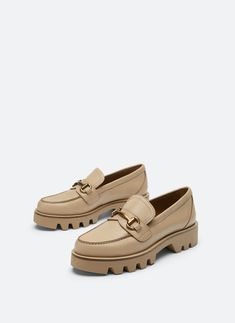 Luna Shoes, Wedge Shoes, Boat Shoes, Fall Winter Shoes, Teacher Shoes, Pretty Shoes, Sneaker Boots, Shoe Collection, Look Fashion