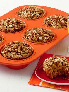 Applesauce Oatmeal Muffins | QuakerOats.ca