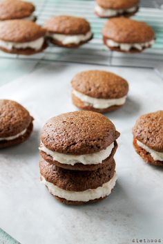 Gingerbread Whoopie Pies with Vanilla Buttercream Filling | www.diethood.com