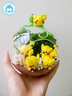 Pikachu in Glass - Nest of Pikachu Pokemon terrarium. Pikachu in Glass - Nest of Pikachu Pokemon terrarium. Pikachu in Glass - Nest of Pikachu Cute Polymer Clay, Cute Clay, Polymer Clay Charms, Pokemon Craft, Pokemon Party, Pokemon Diys, Pokemon Decor, Pokemon Stuff, Pokemon Zelda