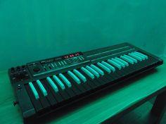 MATRIXSYNTH: Reverse Keys KORG Poly 800 Synthesizer w/ Mods