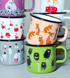 Muumi Emalimuki / Moomin Enamel Mug Finland Tove Jansson, Moomin Valley, Activity Room, Holiday Apartments, Interior Design Inspiration, Finland, Cool Things To Buy, Fairy Tales, Coffee Mugs