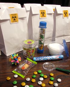 Science Birthday Party Ideas and Experiments for Kids is part of Science Party Bags - Wacky Science Birthday Party Experiments Kids Will Love! Fun Birthday Party Ideas and free printables by Living Locurto Mad Science Party, Mad Scientist Party, Spa Birthday Parties, Boy Birthday, Birthday Ideas, Free Birthday, Spa Party, Party Printables, Free Printables