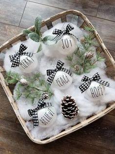 Farmhouse Christmas Ornaments, Rustic Christmas, Christmas Crafts, Christmas Time, Outside Christmas Decorations, Christmas Tree Themes, Buffalo Plaid Ornaments, Buffalo Check Christmas Decor, Christmas Tumblers