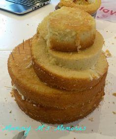 Mummy M's Memories: How to make a spiral Frozen cake 8th Birthday Cake, Frozen Birthday Cake, Frozen Cake, Mountain Bike Cake, Bible Cake, Beautiful Cake Designs, Snowman Cake, Italian Cream Cakes, Truck Cakes