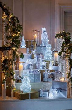 Idee Decor Natale Christmas with Laura Ashley Christmas Feeling, Christmas Room, All Things Christmas, Christmas Crafts, Christmas Decorations, Holiday Decor, Christmas Ideas, Merry Christmas, Xmas