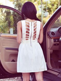 Open Back Pure Color Sleeveless Dress With V Neck