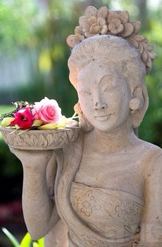 ♥ ⋱‿ ❤AnE LeeLA⋱SouL & HearT of LifE.Tempelstatue with flowers in Bali Indonesia Bali Lombok, Beautiful Islands, Beautiful World, Bali Shopping, Bali Fashion, Bali Travel, Garden Statues, Balinese, Tropical Garden