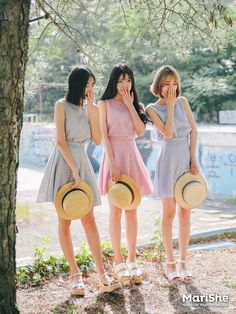 39 Ideas for hat girl summer outfit Korea Fashion, Kpop Fashion, Asian Fashion, Girl Fashion, Fashion Outfits, Girls Summer Outfits, Summer Girls, Cute Outfits, Korean Girl