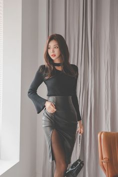 Korean black leather dress, with high heels, is simply too sexy – Easy Style Now Kpop Fashion Outfits, Sexy Outfits, Fashion Models, Korean Fashion Trends, Asian Fashion, Black Leather Dresses, Beautiful Asian Women, Tight Dresses, Skirt Fashion