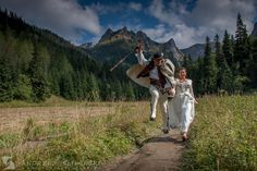 Wedding photography session in the mountains. / Plener ślubny w Tatrach.