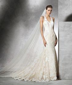 Temis, vestido de novia original con encaje