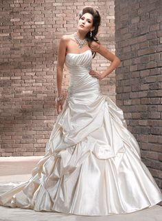 gorgeous Maggie Sottero gown