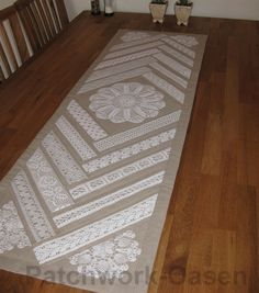 Gorgeous quilted runner featuring vintage lace and doilies Table Runner And Placemats, Crochet Table Runner, Table Runner Pattern, Quilted Table Runners, Doilies Crafts, Lace Doilies, Doily Art, Creation Deco, Linens And Lace