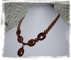 Collier court en jaspe zèbre et perles de verre nacré par Boutique Astrallia : http://www.alittlemarket.com/collier/fr_collier_court_en_jaspe_zebre_et_perles_de_verre_nacre_par_boutique_astrallia_-14005631.html