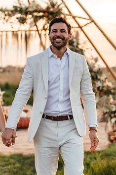 30 The Most Popular Groom Suits ❤ groom suits white jacket with white shirt country emmahillfilmphotography Groom Wear, Groom Outfit, Groom Attire, Wedding Tux, Wedding Attire, Purple Wedding, Dream Wedding, Suit Fashion, Look Fashion