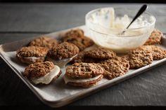 Biscuits comme un sandwich carottes et fromage à la crème   Recettes   Signé M