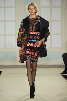 """Temperley's Sexy New Look is More Than Just Fashion Folklore: Alice Temperley hailed """"the start of a new and exciting era"""" at London Fashion Week today, leading the Temperley girl down a sexier path for Fall Diva Fashion, Runway Fashion, Fashion Looks, Fashion Trends, Fashion Inspiration, London Fashion Weeks, Winter Fashion 2014, Autumn Fashion, Temperley London Dress"""