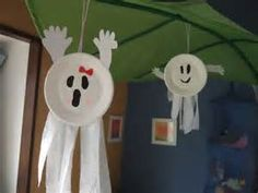 Easy DIY halloween crafts ideas for kids. Easy DIY halloween crafts ideas for kids Dulceros Halloween, Halloween Arts And Crafts, Adornos Halloween, Manualidades Halloween, Halloween Activities, Halloween Projects, Holidays Halloween, Holiday Crafts, Holiday Fun