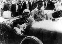 TEMPORADA DE 1935 - Júlio de Moraes, vencedor da Subida Rio - Petrópolis de 1935, na foto ao lado da atriz Lia Torá na Gávea - Rio de Janeiro - Brasil. Felipe - Álbuns da web do Picasa