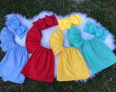 Etsy :: El lugar para comprar y vender todo lo que está hecho a mano Kids Outfits Girls, Girls Fashion Clothes, Toddler Outfits, Kids Fashion, Girl Outfits, Baby Dress Design, Baby Girl Dress Patterns, Black Little Girls, Dress Anak