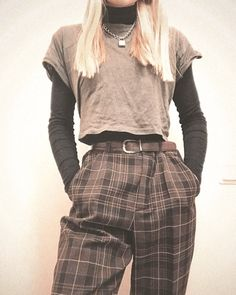50 Goregous Winter Outfits To Shop Near You . 50 Goregous Winter Outfits To Shop Near You Fashion outfits ideas Vintage Outfits, Retro Outfits, Casual Outfits, Grunge Winter Outfits, Grunge Fashion Winter, Cute Grunge Outfits, 90s Fashion Grunge, Hipster Outfits, Grunge Style Winter