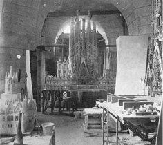 Sagrada Familia (1917) workshop with models by Antoni Gaudi (1852-1926) via Gaudi Designer.