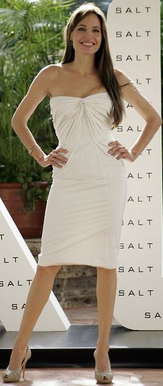 """Angelina Jolie - """"Salt"""" Photocall in Mexico City (July >> Angie's wearing a Atelier Versace dress & Ferragamo peep-toes Julie Andrews, Jessica Chastain, Julia Roberts, Stana Katic, Blake Lively, White Strapless Dress, White Dress, Celebrity Gallery, Celebrity Style"""
