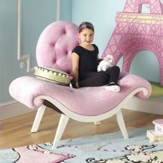 Pink is the perfect colour for girl's bedroom! Discover more pink inspirations with Circu furniture for kids' bedroom: CIRCU. Funky Bedroom, Bedroom Sets, Girls Bedroom, Pink Furniture, Bedroom Furniture, Bedroom Decor, Furniture Design, Funky Chairs, Princess Room