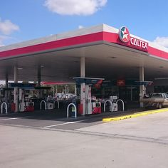 Are you looking for a commercial petrol station for lease or sale? Lease Link Property Consultants can help you to find a petrol station for sale or lease in Melbourne. Commercial Property For Sale, Commercial Real Estate, Melbourne, Website, Link, 15 Years, 15 Anos