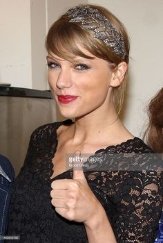 (EXCLUSIVE COVERAGE) Taylor Swift poses backstage at the hit musical about Carole King's life 'Beautiful' on Broadway at The Stephen Sondheim Theater on December 22, 2014 in New York City.  (Photo by Bruce Glikas/FilmMagic)