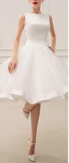 Short Wedding Dresses Vintage Bateau Neckline Deep V Back Little Bridal Dresses With Bow Summer Bridal Gowns Knee Length Wedding Dress