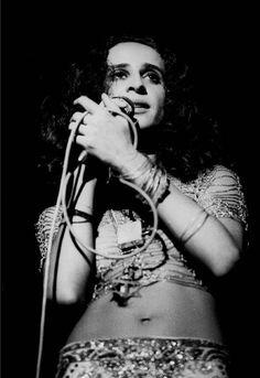 Maria+Bethnia+bethania+teatro+da+praia+1971