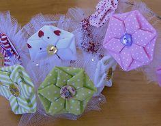 Origami Fuxico em forma de estrela Passo a Passo- HOW TO MAKE ROLLED RIBBON ROSES- fabric flowers