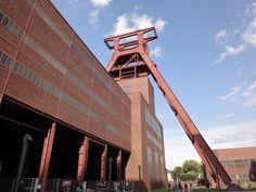 Alter Förderturm Zeche Zollverein #Essen http://www.ausflugsziele-nrw.net/zeche-zollverein/ @zollverein