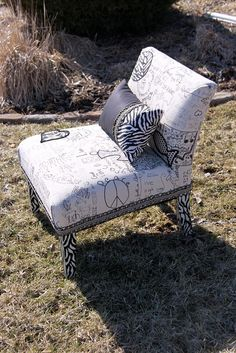 5th grade chair- Dude!! That is AWESOME!! Need to get my hand on one of those!! (Hmm, can you say ugly old garage sale or craigslist chair up cycled?)