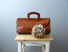 Vintage purse. 70s oversized leather bag. whiskey brown hand stitched handbag