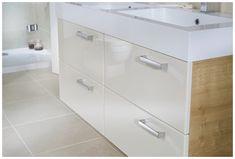 70 ideas for bathroom minimalist vanity units White Bathroom Storage, Bathroom Storage Units, Bathroom Vanity Units, White Vanity Bathroom, Bathroom Styling, Small Bathroom, Family Bathroom, Bathroom Inspo, Bathroom Cabinets