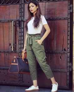 6 easy weekend outfits that still look chic Teen Fashion Outfits, Casual Fall Outfits, Grunge Outfits, Fashion Pants, Look Fashion, Stylish Outfits, Girl Outfits, Fashion Dresses, Stylish Dresses